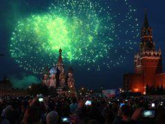Салют в честь Дня России © Сергей Фадеичев/ТАСС