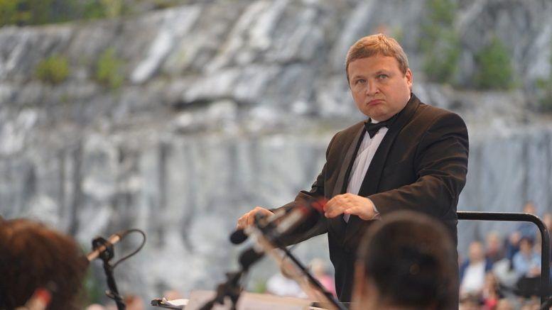 Дирижёр Анатолий Рыбалко © Пресс-служба Правительства Карелии