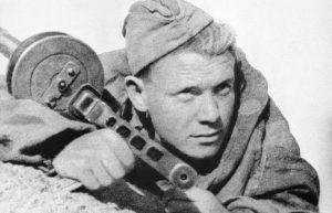 Разведчик, 1942 год © ТАСС