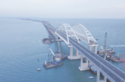 Торжественно открыли автомобильную часть Крымского моста