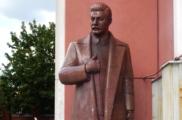Истории Олеся Бузины. Памятник Сталину