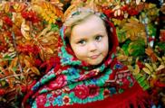 Павловопосадскому платку 225 лет: древние традиции и столичные шоу-румы