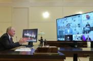 Путин назвал несерьезными разговоры о полном переходе на дистанционное обучение в школах