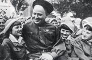 «Аркадия Гайдара предали опять, и Мальчиш-Кибальчиш не вернется». История тройного предательства