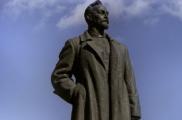 Нужно ли вернуть памятник   Дзержинскому на Лубянку