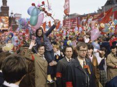 Первомайская демонстрация в СССР 70е