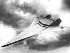 Cамолет-лодка Т-203. Одна из самых интересных разработок Роберта Бартини, увидевшая свет. Гидросамолет был способен пополнять запасы топлива прямо в океане и ему не требовался аэродром. (фото: Военное обозрение/topwar.ru