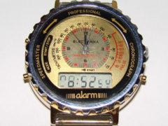 «Электроника» — наручные часы с аналоговым и электронным циферблатом 2 в 1. (Фото: Сергей Фролов / leningrad.su)