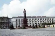 Лукашенко предложил поставить памятник Сталину